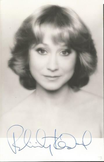 Felicity Kendall signed young 6 x 4 b/w photo actr