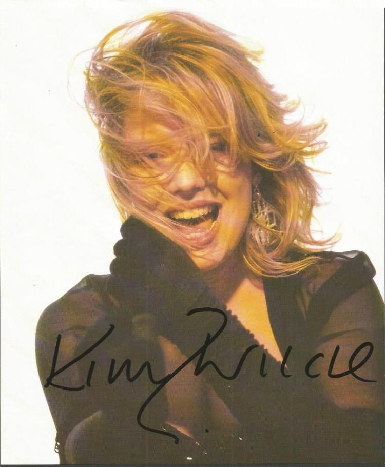 Kim Wilde signed colour 10x8 magazine photo. Engli