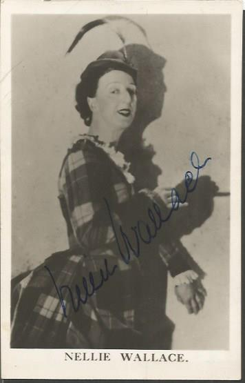 Nellie Wallace signed vintage photo. British musi