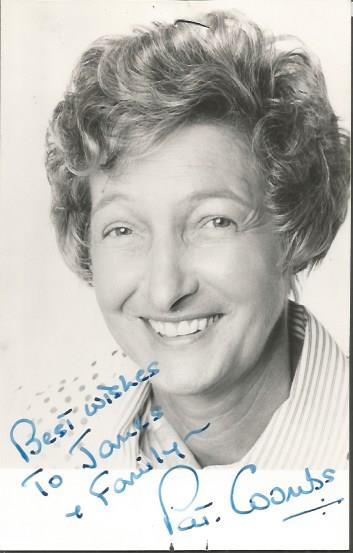 Pat Coombs signed 6 x 4 b/w photo of herself. Ded