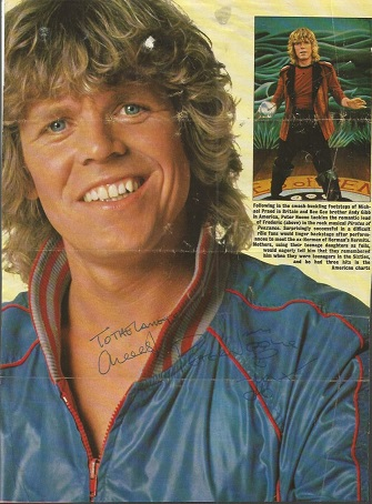 Peter Noone signed colour 12x8 music magazine page