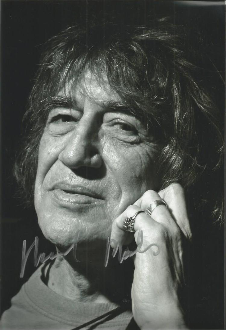 Howard Marks signed 12x8 b/w photo. Good conditi