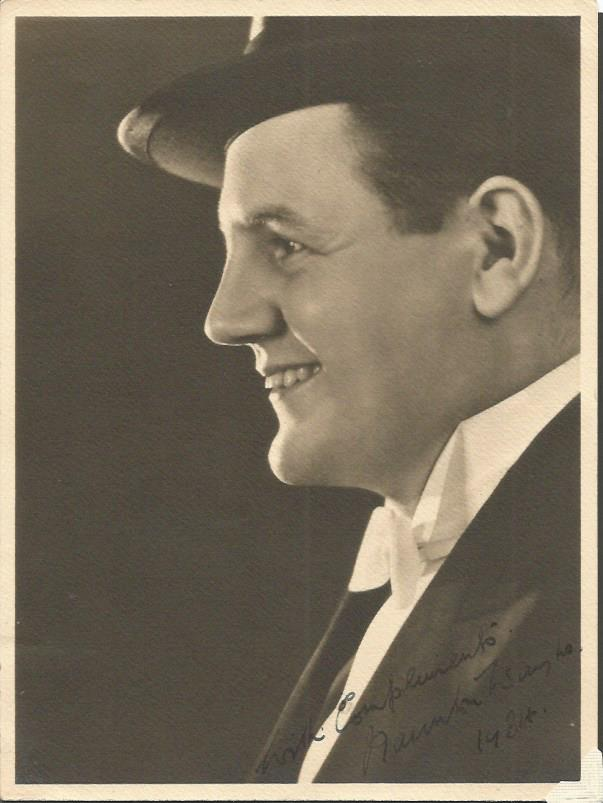 Naunton Wayne signed 7  x 5 vintage photo.  Britis