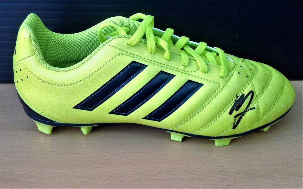 Football Memphis Depay signed Adidas football boot. Good condition Est.