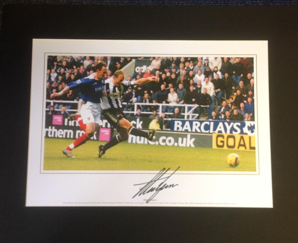 Football Alan Shearer signed 16x20 mounted colour photo pictured in action for Newcastle United.