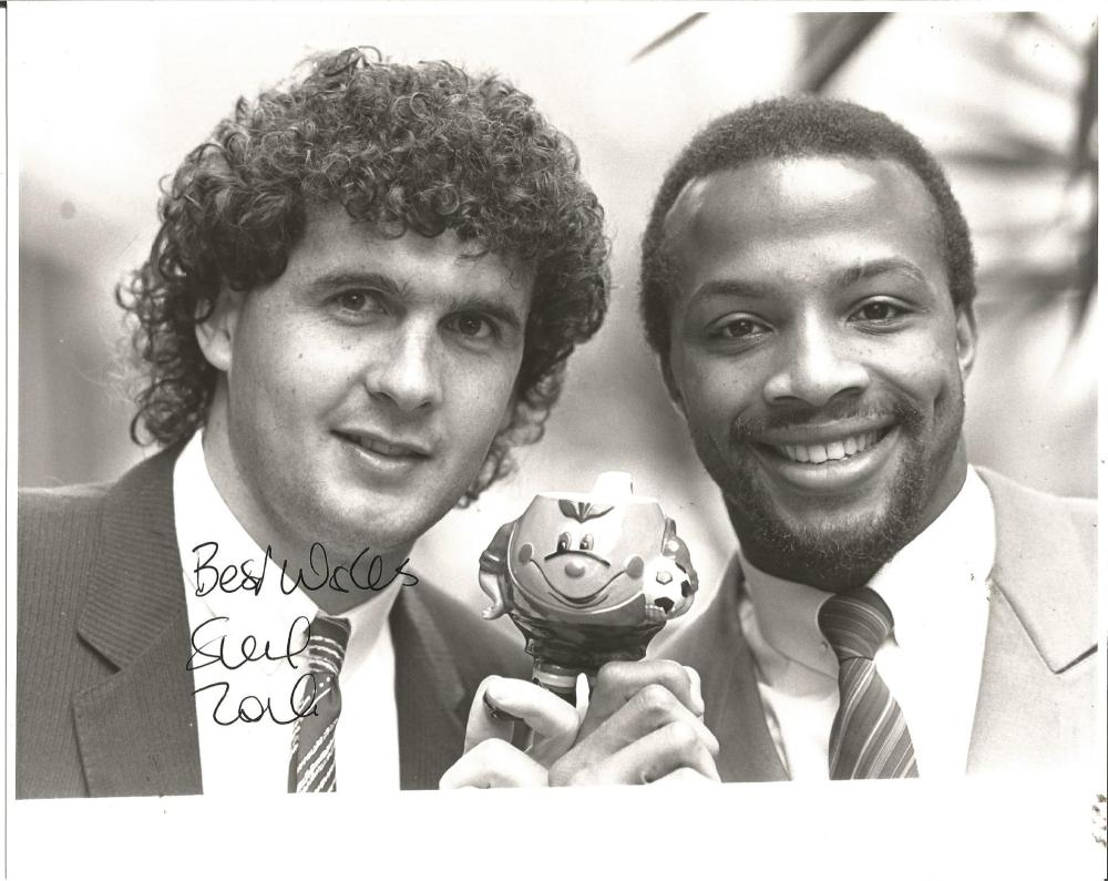 Steve Foster Signed 1982 England 8x10 Press Photo. Good Condition Est.