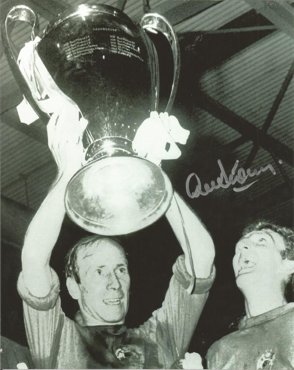 Football Alex Stepney 10x8 signed b/w photo pictured celebrating after the 1968 European cup