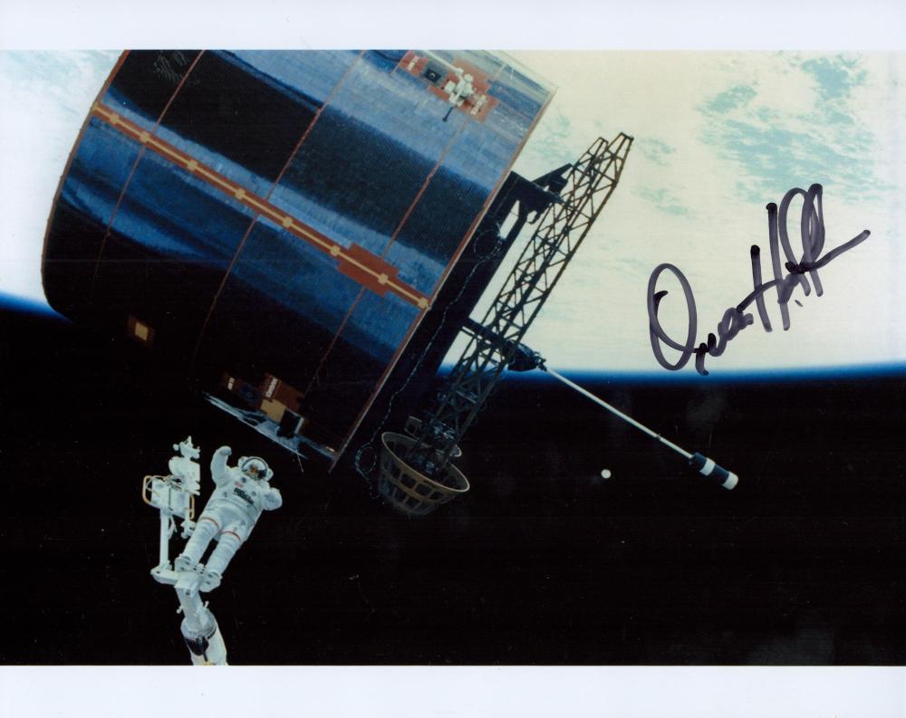James van Hoften signed colour 10x8 NASA photograph.