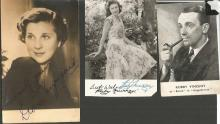 Vintage signed collection. Consisting of mainly small sepia photos. Some of names included are Robby Vincent, Ruby Murray, Diana Wynyard, Dailey & Wayne, Sally Barnes, Norman Evans and many more. Good condition.