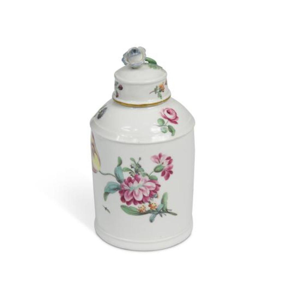 An 18th century Hochst porcelain tea caddy and cover,