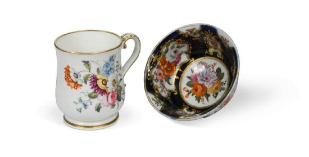 An English porcelain mug, attributed to William Billingsley, circa 1805,