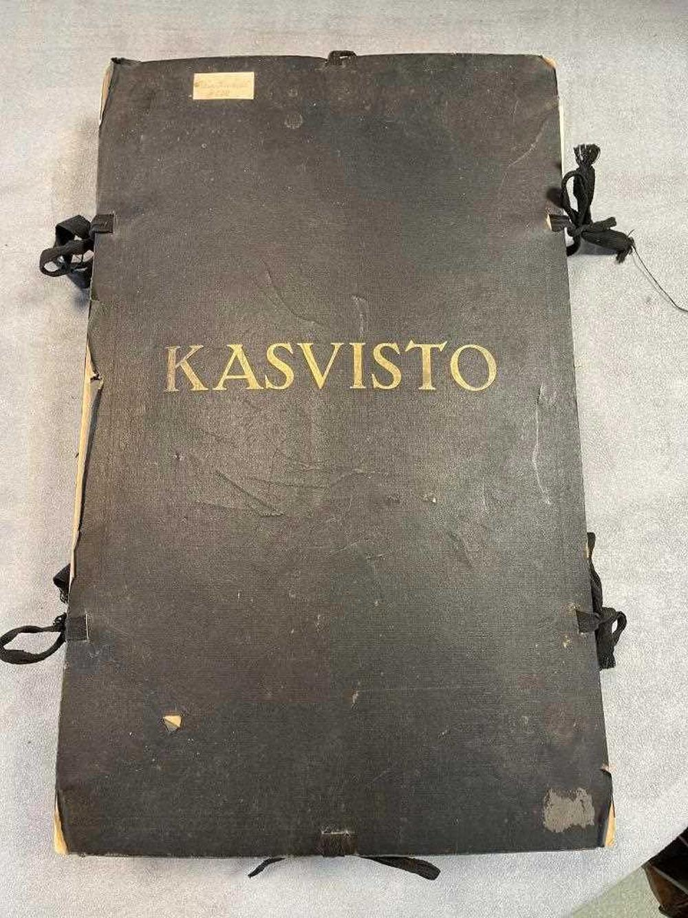 A folder of pressed flowers, Finnish, labels for each specimen dated 1942-44 all written in Finnish and signed Kaisa Kuskila, each specimen on a loose folio leaf, in a folder with cloth ties