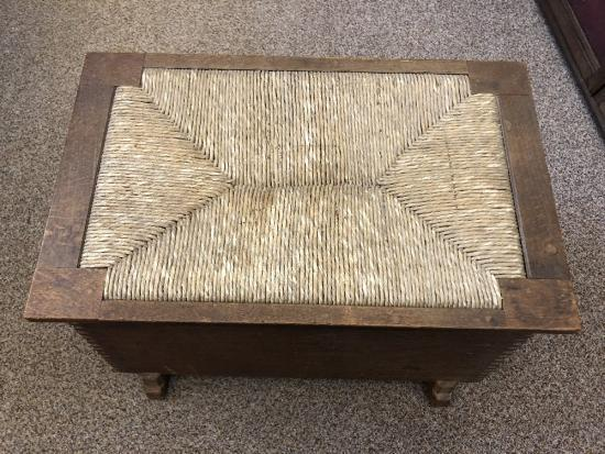 Swell A Cotswold School Oak Ottoman Or Shoe Box Alphanode Cool Chair Designs And Ideas Alphanodeonline