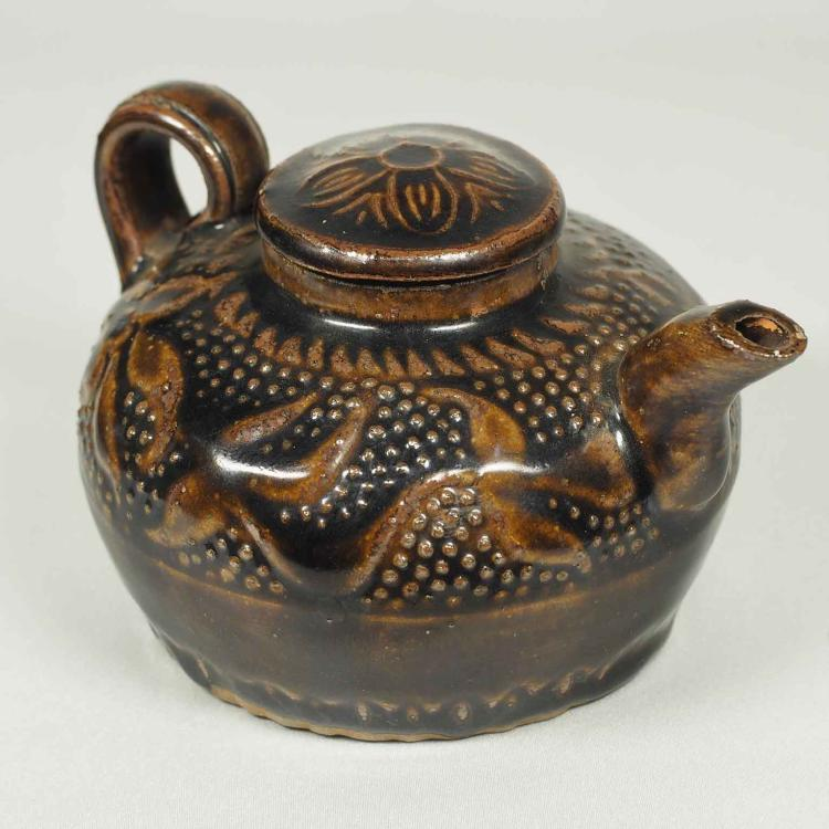 Lidded Ewer with Floral and Dotted Design, Song Dynasty