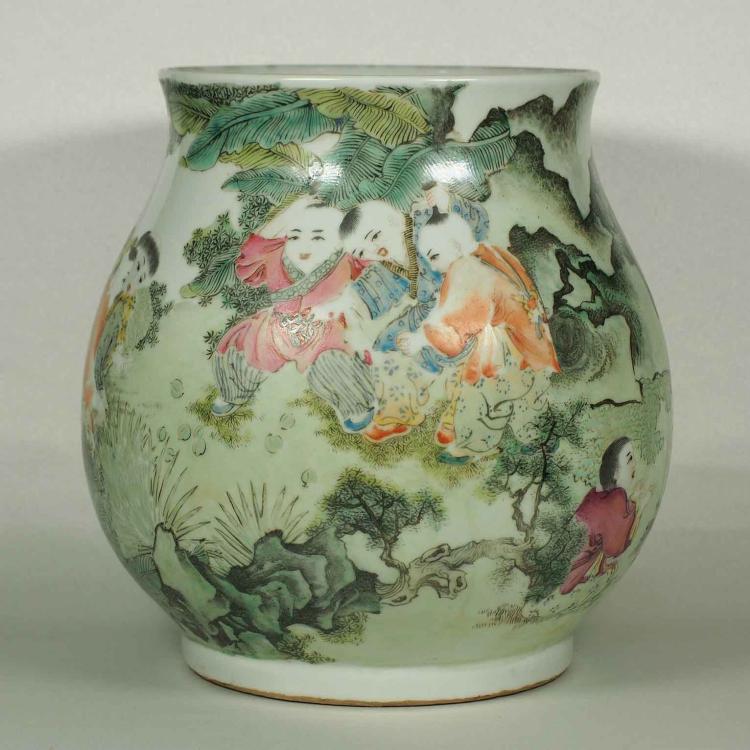 Jar with Kids Playing Design, Qianlong Mark, Republic