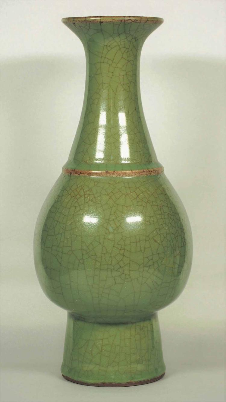 Longquan bottle Vase, Southern Song Dynasty