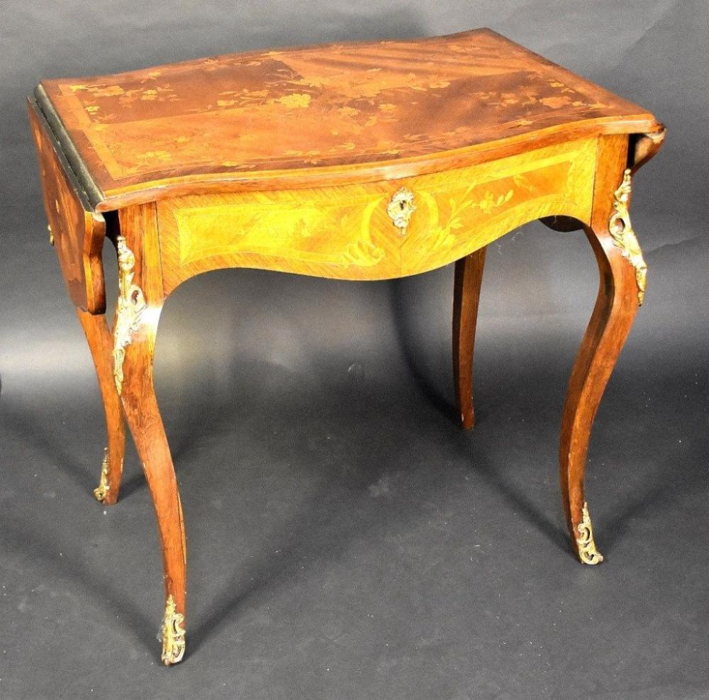 A superb quality French 19th century kingwood drop…