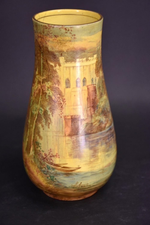 An English Royal Winton vase depicting Warwick Cas…