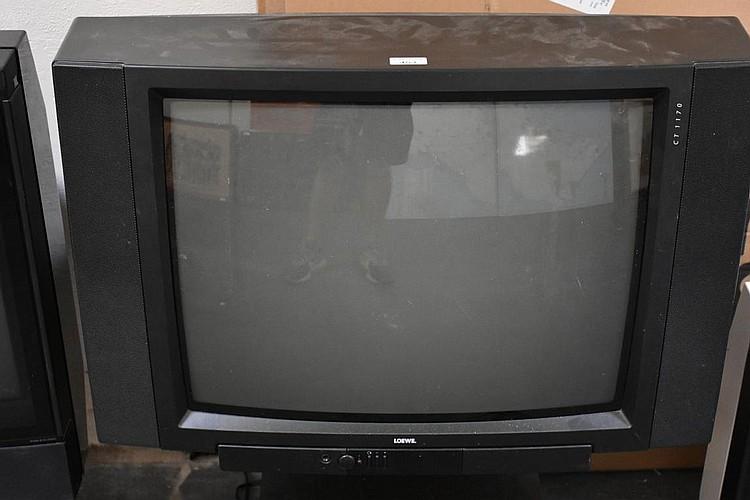 a loewe tv on stand. Black Bedroom Furniture Sets. Home Design Ideas
