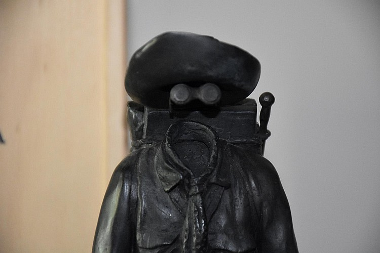 Tim Storrier. A rare original Australian bronze figure depicting the swagman. Height 32cm, Width 9cm