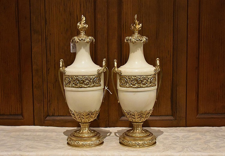 A fine pair of French 19th century marble castelette having superb ormolu supports and detail. Height 42cm, Width 16cm