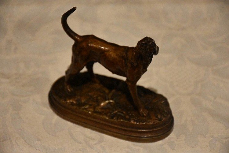 A superb French 19th century bronze figure depicting the hunting hound. Signed Dubacand.