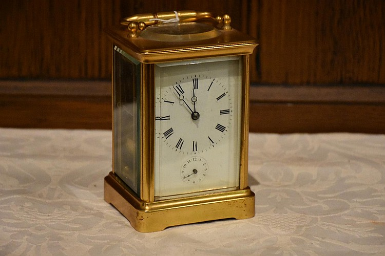 A good quality French 19th century brass cased carriage clock having enamel dial. Height 17cm, Width 9cm