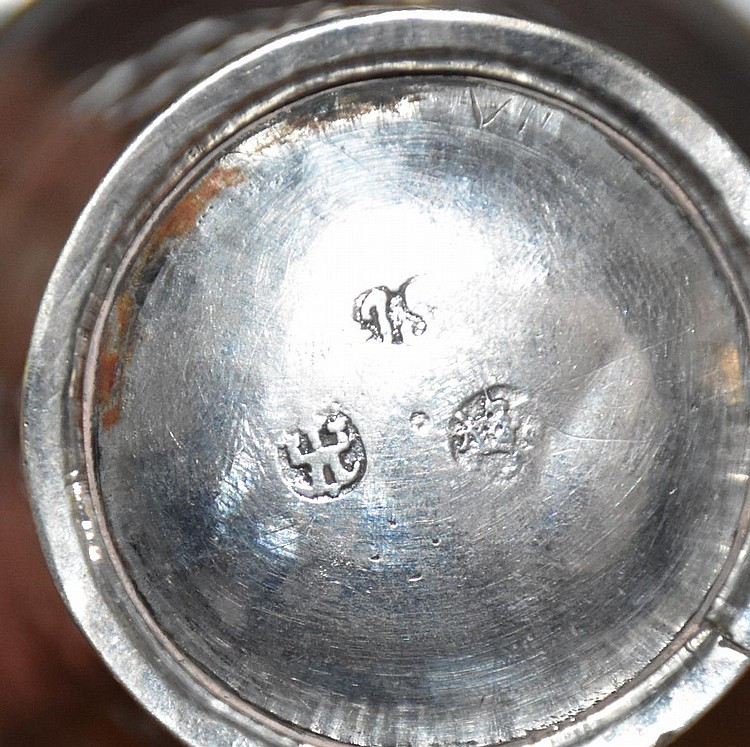 A fine and rare early 18th century silver etched beaker, stamped with hallmarks to the base. Height 8cm, Width 7cm