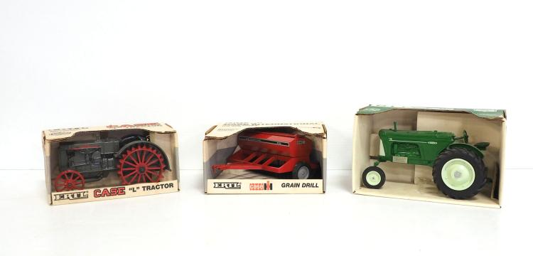 (3) NIB 1:16 Farm Pieces