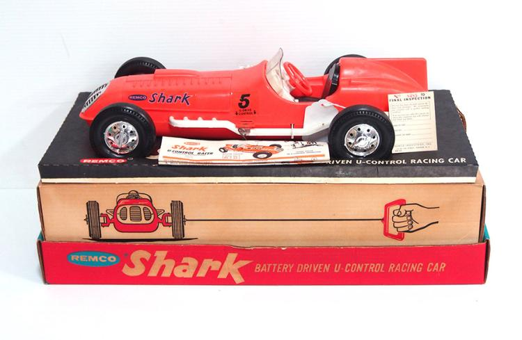 Remco Shark Racing Car