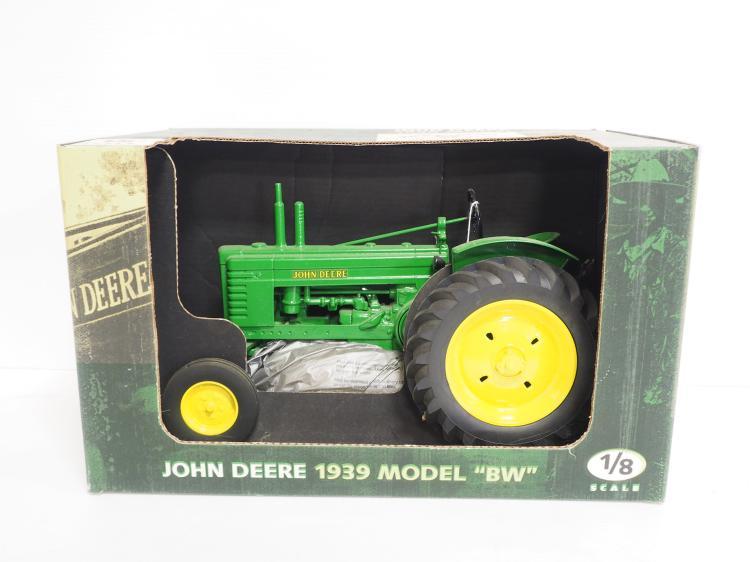 1:8 John Deere BW Tractor