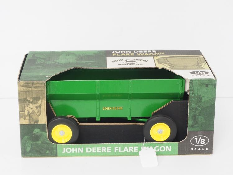1:8 John Deere Flare Wagon