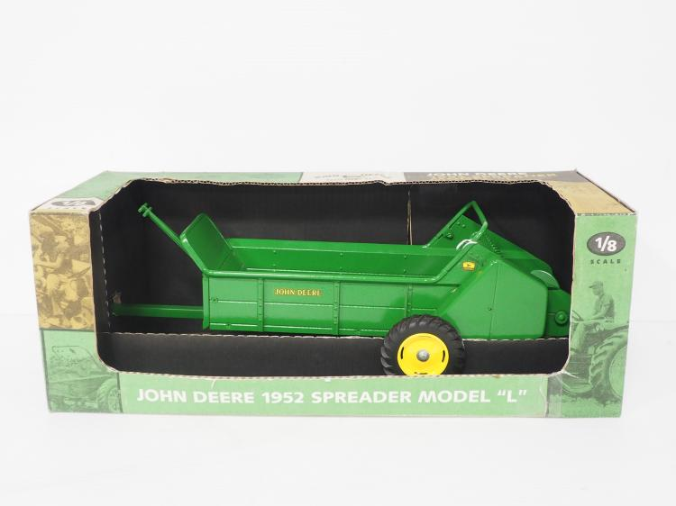 1:8 JD Manure Spreader