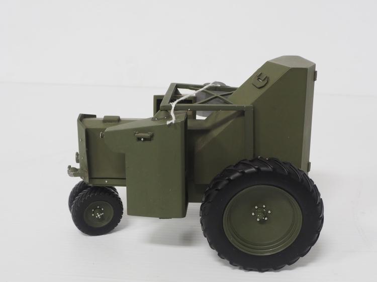 1:16 Armored John Deere A