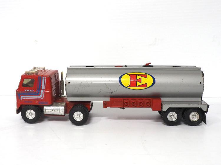 Ertl Tanker Semi