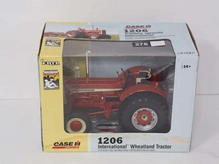 1:16 International 1206 Tractor