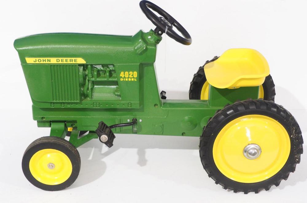 Ertl John Deere 4020 WF Pedal Tractor