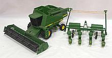 John Deere Combine & 4-row John Deere Planter