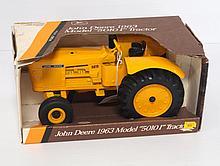 NIB Ertl John Deere 5010 - near mint