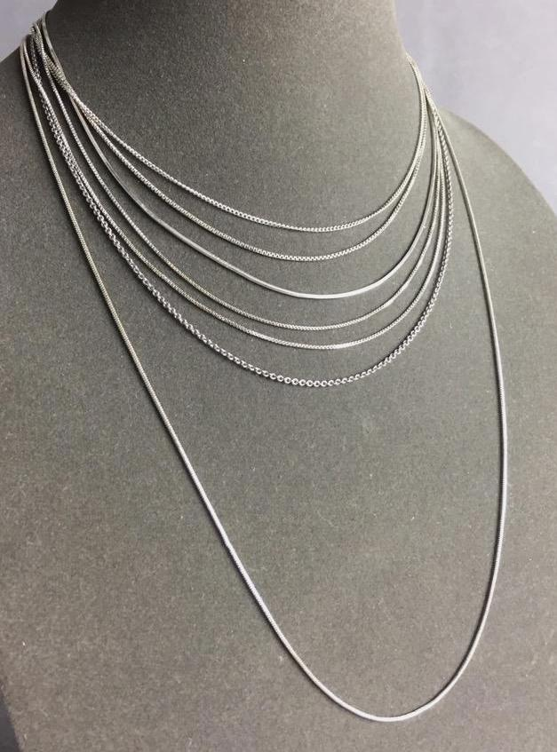 Lot of (7) Sterling Silver necklace chains (18.5g .925)