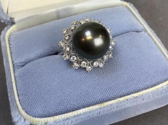 14k White Gold Tahitian pearl and Diamond ring (.71ct diamonds) w/ $4,575.00 A.I.G. appraisal.