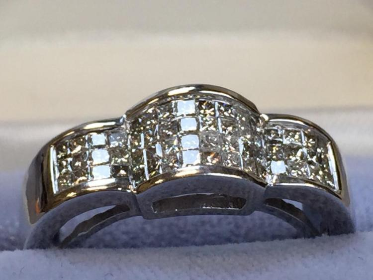 14k White Gold and Diamond ring (.80ctw diamonds) w/ $2,970.00 A.I.G. appraisal.