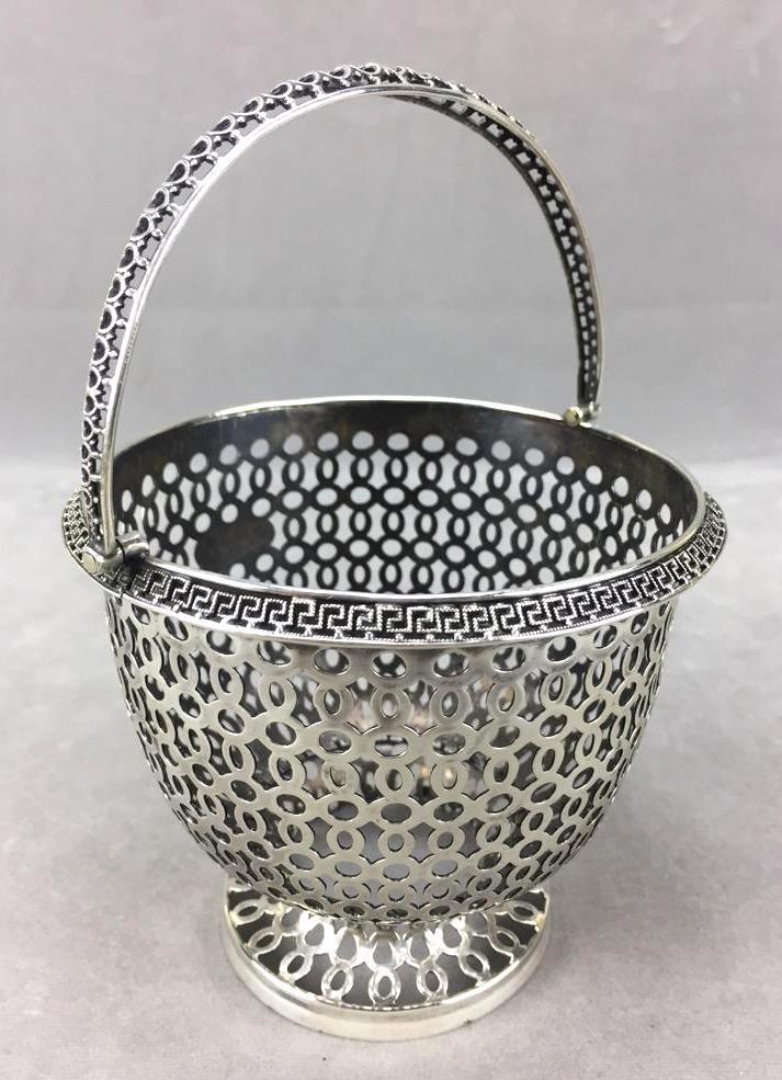 Sterling Silver decorative basket (165.8g)