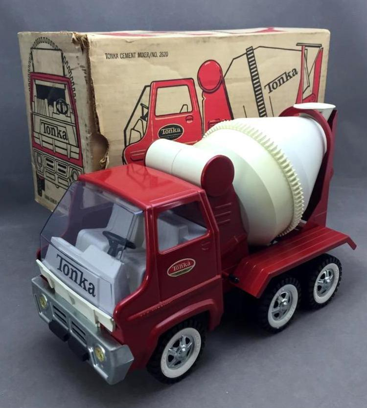 Vintage collector's quality Tonka Cement Mixer, model 2620 -w/original  box