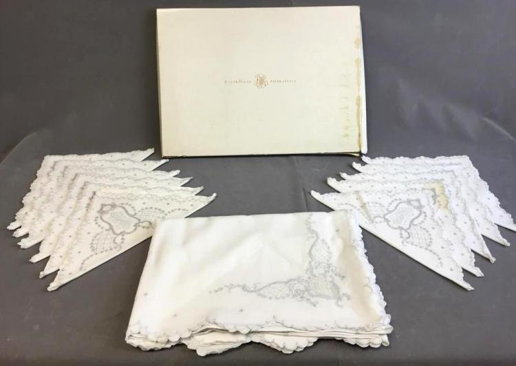 B. Altman & co. Fifth Avenue set of (11) napkins and large tablecloth