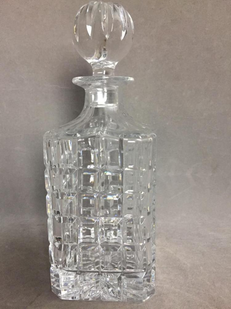dating crystal decanters Crystal decanters- i especially like on a silver tray colored crystal decanter a european glass collective dating back to wells decanter in pitchers and.