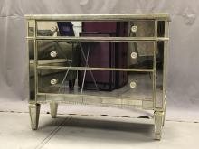 Dressers Amp Vanities For Sale At Online Auction Buy