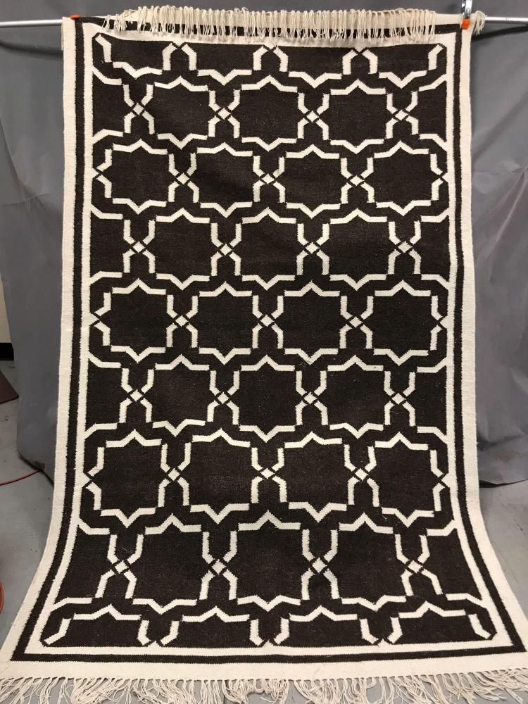 Handwoven modern design wool kilim
