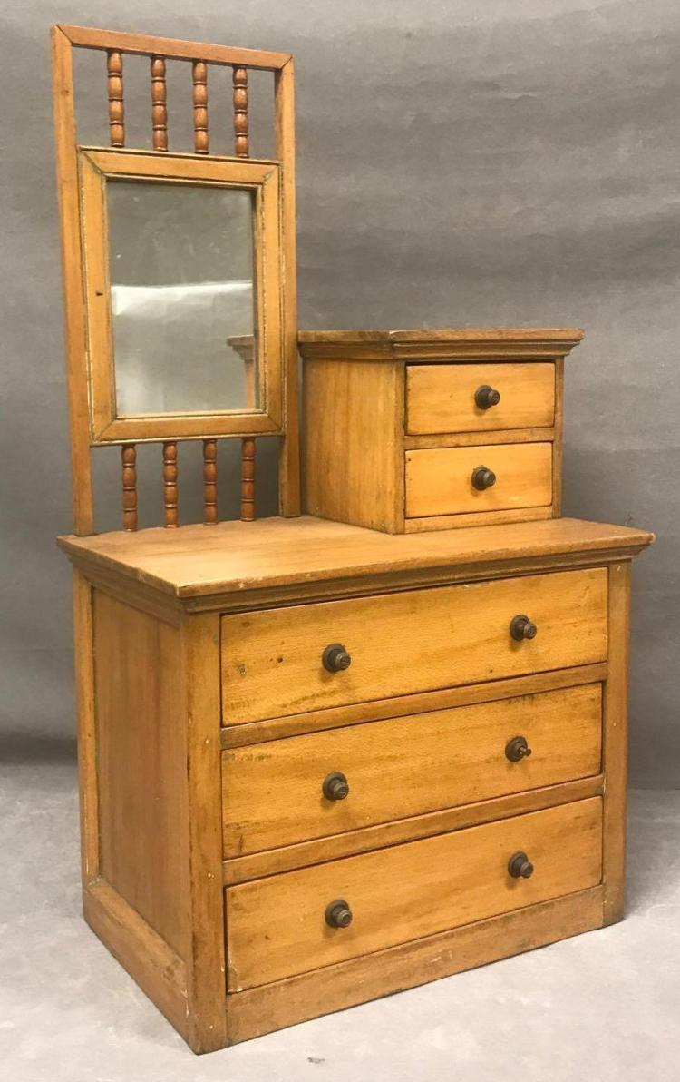 Early American Republic period slanted top politicians desk with leather inlay