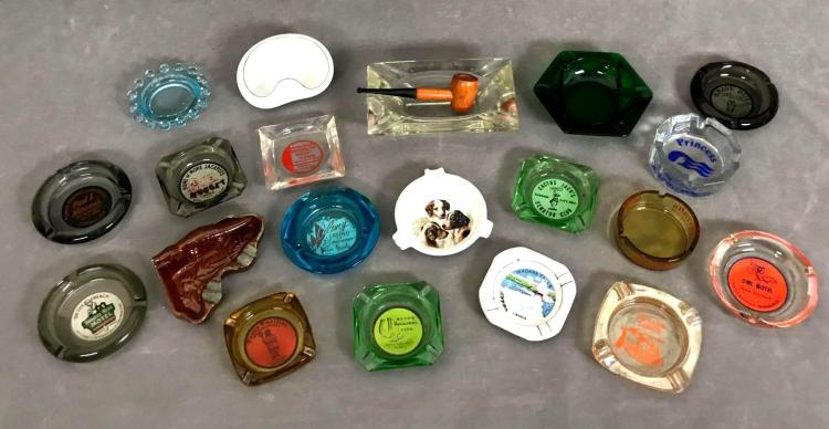 Collection of 20 glass and porcelain souvenir ashtrays